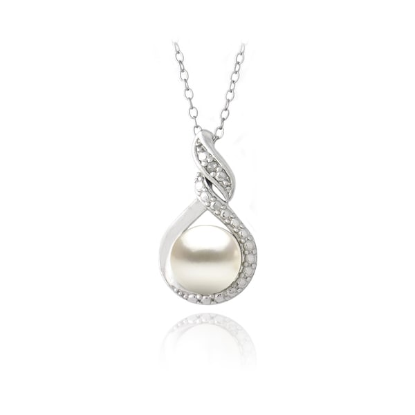 Glitzy Rocks Silver FW Pearl and Diamond Accent Swirl Necklace (8 mm)