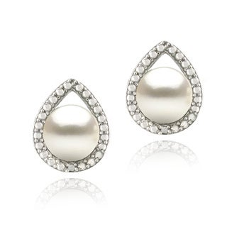 Glitzy Rocks Silver FW Pearl and Diamond Accent Pear Earrings (7 mm)