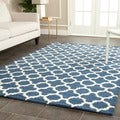 Safavieh Handmade Moroccan Cambridge Navy Wool Rug (2'6 x 4')