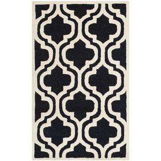 "Safavieh Handmade Cambridge Moroccan Black/Ivory Wool Rug (2'6"" x 4')"