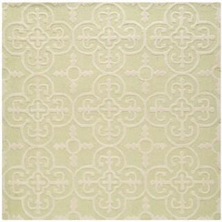 Safavieh Handmade Cambridge Moroccan Light-Green Clover-Motif Wool Rug (6' Square)