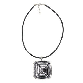 Handcrafted Silverplated Square Maze Pendant Necklace (India)