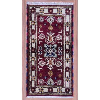 Indo Hand-knotted Kazak 2'2 x 4' Burgundy/ Ivory Wool Area Rug (India)