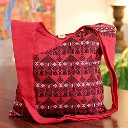 Handcrafted Cotton 'Ruby Assam' Medium Sling Bag (India)