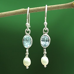Sterling Silver 'Sky Voyage' Topaz and Pearl Earrings (4 mm) (India)