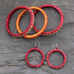 Handcrafted Grass 'India Sunset' Jewelry Set (India)