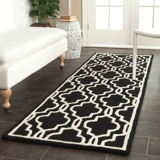 "Safavieh Handmade Cambridge Moroccan Black/Ivory Wool Rug (2'6"" x 8')"