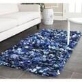 Safavieh Hand-woven Chic Blue Shag Rug (2'6 x 4')