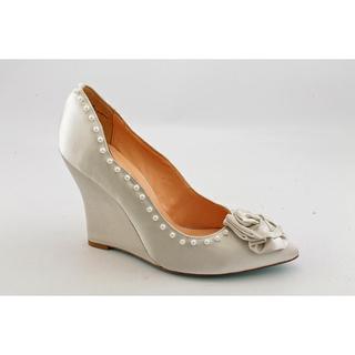 Pour La Victoire Women's 'Prya' Satin Dress Shoes