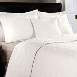 Maison White Cotton 3-piece Quilt Set