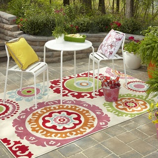 Indoor/ Outdoor Lace Medallion Multi Rug (5'3 x 7'10)