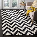 Safavieh Handmade Cambridge Chevron Black Wool Rug (4' x 6')
