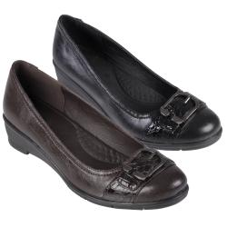 Journee Collection Women's 'Liz-1' Buckle Detail Almond Toe Loafer