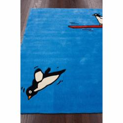 nuLOOM Handmade Kids Diving Penguin Blue Rug (3'6 x 5'6)