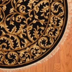 Indo Hand-knotted Tibetan Black/ Ivory Wool Rug (5' Round)