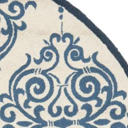 Safavieh Hand-hooked Chelsea Damask Ivory Wool Rug (7'6 x 9'6 Oval)