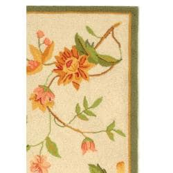 Hand-hooked Garden Ivory Wool Rug (2'9 x 4'9)