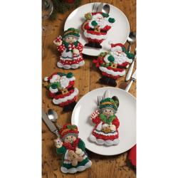 "Santa & Mrs. Silverware Holders Felt Applique Kit-5""X7"" Set Of 6"