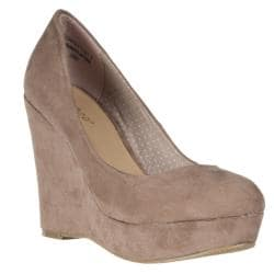 Riverberry Women's 'Confetti' Taupe Microsuede Wedges
