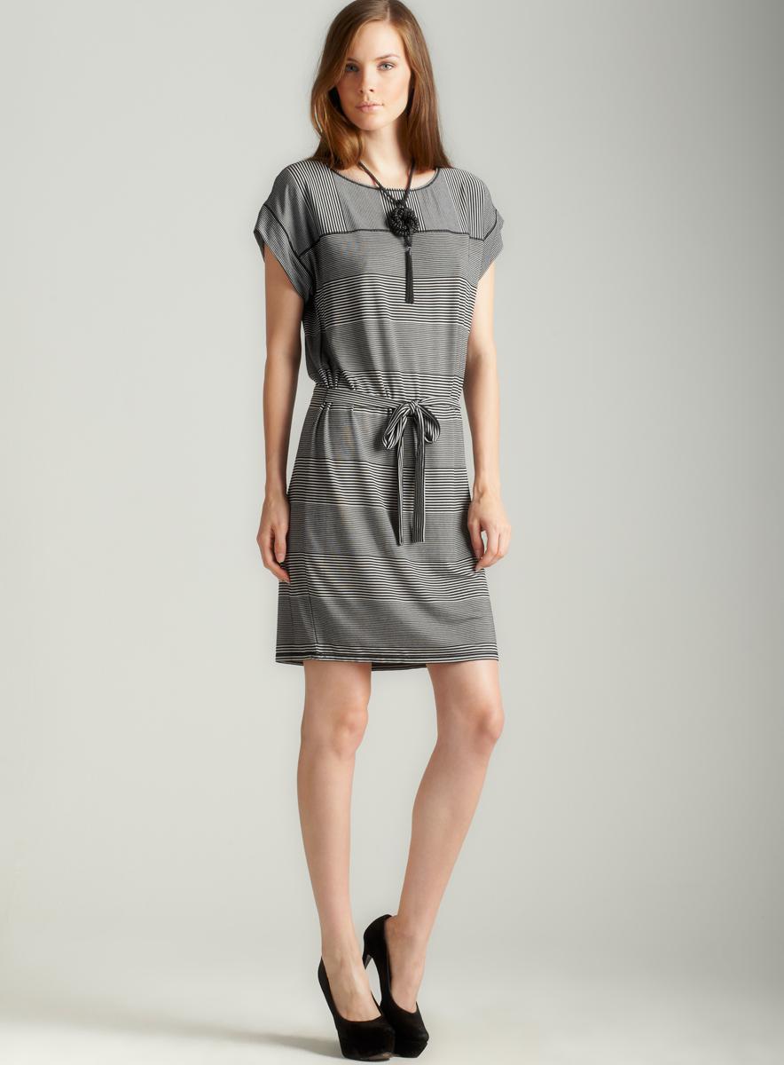 Max Studio Short Sleeve Scoop Neck Dress