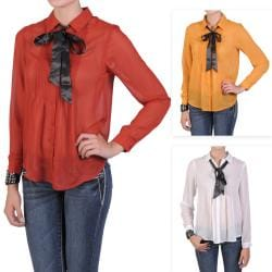 Journee Collection Junior's Lightweight Pleated Button-up Blouse