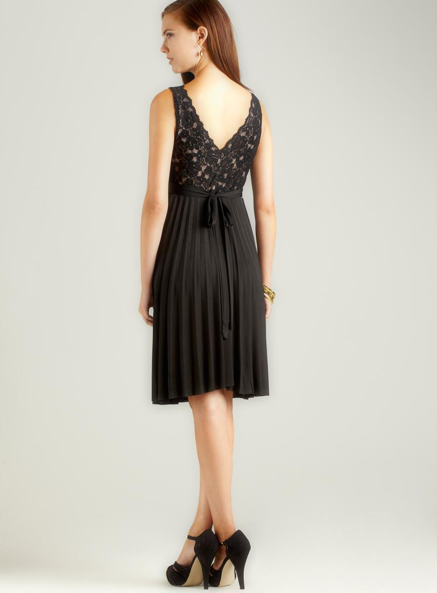 Anama Short Dress With Lace