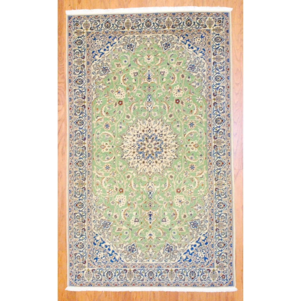 Persian Hand-knotted Nain Light Green/ Ivory Wool Rug (4'6 x 7'6)