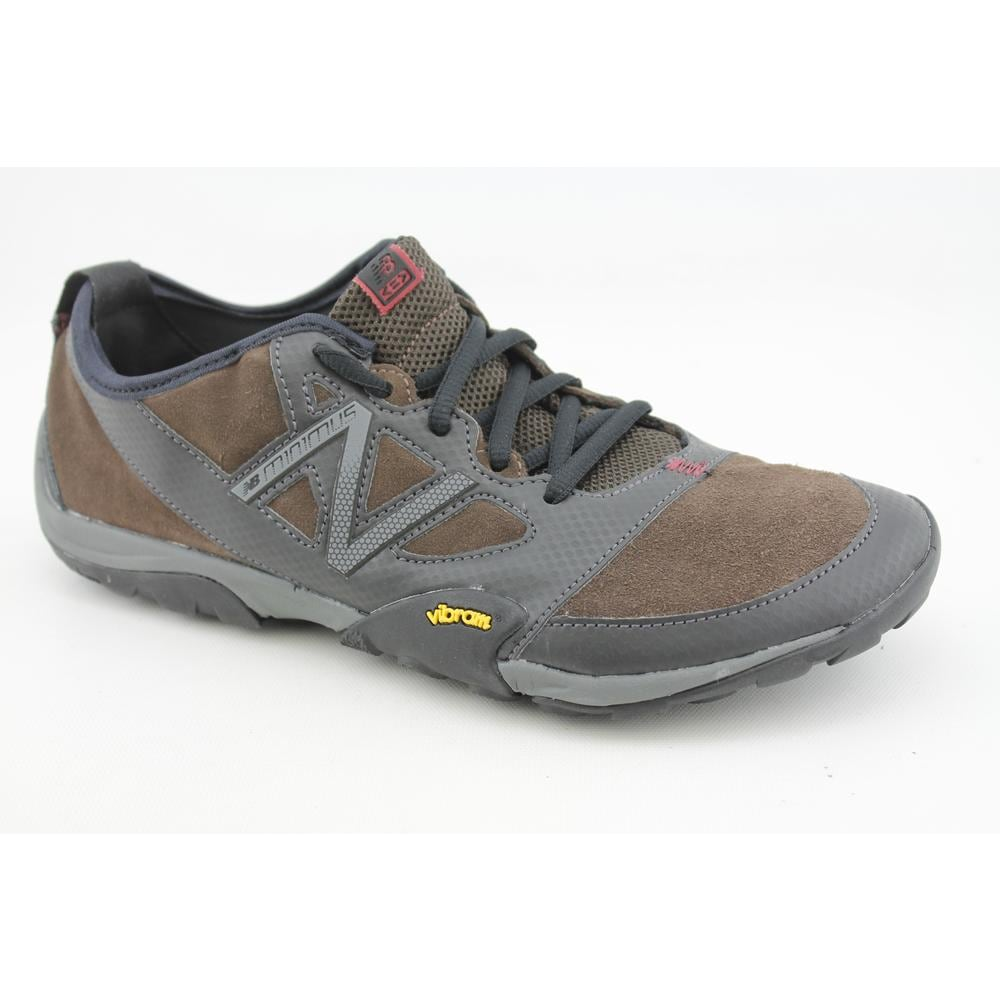 New Balance Men&#39;s &#39;MO20&#39; Regular Suede Casual Shoes