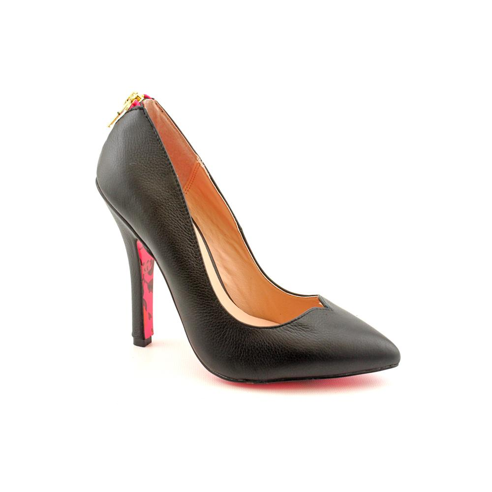 Betsey Johnson Women's 'Taylr' Leather Dress Shoes