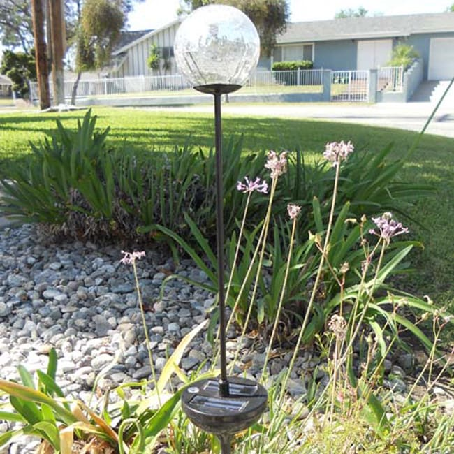 Solar Powered Glass Clear Crackle Ball Color Changing Light (Set of 2)