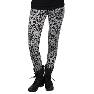 Journee Collection Juniors Stretchy Giraffe Print Leggings