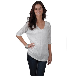 Journee Collection Juniors Lightweight White V-Neck Top