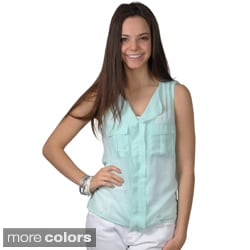 Journee Collection Women's Lightweight Sleeveless V-neck Top