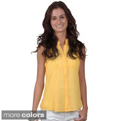 Journee Collection Juniors Sleeveless Button-up Top