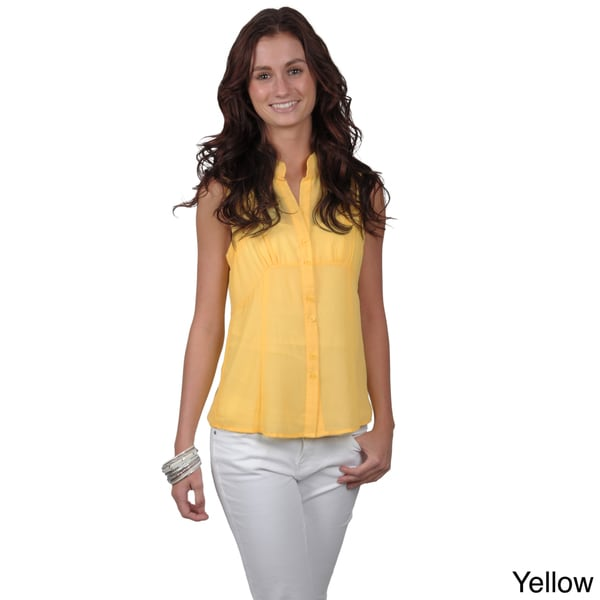 Journee Collection Juniors Sleeveless V-Neck Button-Up Top