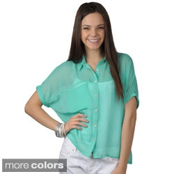Journee Collection Junior's Short-sleeve Button-up Chiffon Top