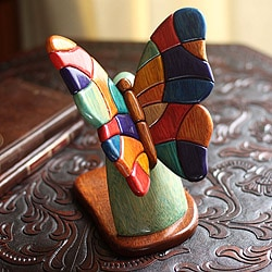 Handcrafted Ishpingo Wood 'Andean Butterfly' Sculpture (Peru)