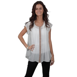 Journee Collection Juniors Button-up Chiffon Top