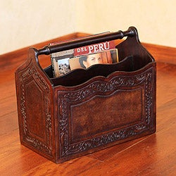 Mohena Wood and Leather 'Gracious Home' Magazine Rack (Peru)