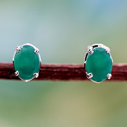 Handcrafted Sterling Silver 'India Green' Onyx Earrings (India)