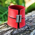 Handcrafted Leather Stainless Steel 'Sexy Red' Bracelet (Brazil)