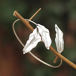 Handcrafted Silver 'Winter Leaves' Bracelet (Peru)