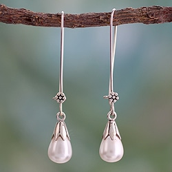 Sterling Silver 'Precious Purity' Pearl Earrings (7 mm) (India)