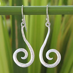 Handcrafted Sterling Silver 'Thai Fern' Earrings (Thailand)
