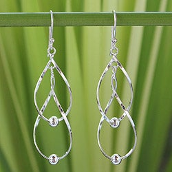 Handmade Sterling Silver Fabulous White Dangling Style Earrings (Thailand)