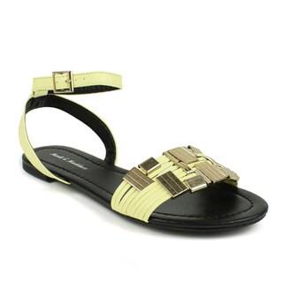 Mark & Maddux Women's 'TYSON-01' Beige Metallic Accent Flat Sandals