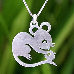 Sterling Silver 'Chinese Zodiac Rat' Necklace (Thailand)