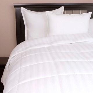 Eddie Bauer 650 Fill Power Oversized Queen/ King-size White Down Comforter