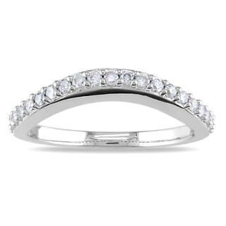 Miadora 14k White Gold 1/4ct TDW Curved Diamond Wedding Band (H-I, I2-I3)