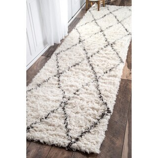 nuLOOM Handmade Moroccan Trellis Wool Shag Runner (2'6 x 10')